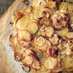 Cartofi cu ceapa la cuptor (reteta clasica)