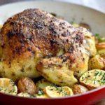 Pui la cuptor cu cartofi (reteta cu usturoi, rozmarin, unt)